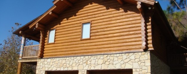 SELECTING THE RIGHT FINISH STAIN FOR YOUR LOG HOME